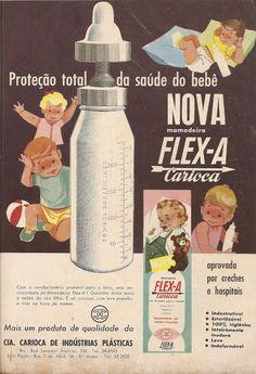 Propaganda de mamadeiras de plástico: primeiros modelos do mercado, diretamente dos anos 50.
