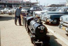Vintage Images, Vintage Cars, Antique Cars, Vintage Landscape, Cityscapes, History, Street, Vintage Pictures, Historia