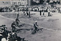 The Cycle Speedway track at East Surrey Grove, Peckham, south London, in 1948 Ww2 Bomb, Speedway Racing, Popular Sports, South London, Vintage Bicycles, Surrey, The Past, Street View, History