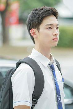 [학교 2017] 금도고 고딩즈 우정 다이어리…★ (+비하인드 탈탈) : 네이버 포스트 School 2017, School Boy, Handsome Korean Actors, Handsome Boys, Young Marriage, Song Joon Ki, Korean Tv Series, High School Crush, Park Hyung