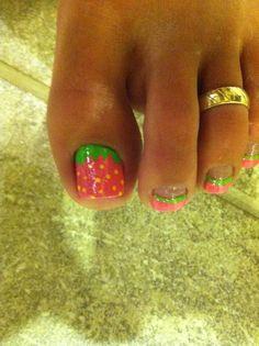 Super cute strawberry themed nail art