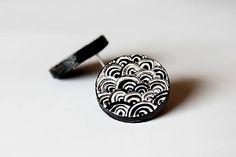 Ajart / maľované náušnice - čierno-biele vlny