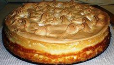 """Сказать что это вкусно, значит ничего не сказать... Творожный торт """"Слезы Ангела"""" Однажды мне рассказали про рецепт волшебного творожного пирога. Волшебство заключалось в том, что при его полном остывании на поверхности образуются желтенькие капельки-бусинки. За это простой пирог получил красивое название """"Слезы ангела"""". Во что бы то ни стало я захотела его приготовить. Результат превзошел все мои ожидания! Это очень вкусно, очень красиво и ещё очень волнительно. Попробуйте приготовить…"""