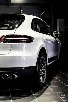 Porsche Macan. what a back! Details make the difference...
