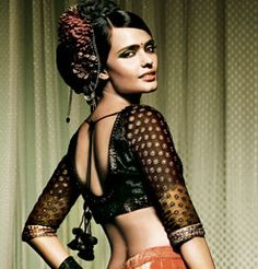 from Lakme Salon at http://www.weddingsutra.com/lakmesalon/index.html