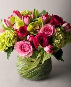 Valentine's day flowers and bouquets deco floral, arte floral, floral desig Unique Flower Arrangements, Unique Flowers, Floral Centerpieces, Amazing Flowers, Beautiful Flowers, Deco Floral, Arte Floral, Floral Design, Flowers For Everyone