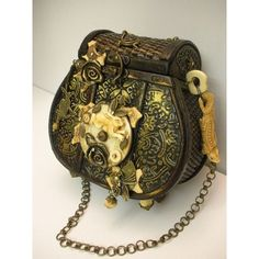 The Victorian side of steampunk comes out in this beautiful bag, featuring a basket weave pattern as well as roses Viktorianischer Steampunk, Design Steampunk, Costume Steampunk, Steampunk Clothing, Steampunk Fashion, Gothic Fashion, Style Fashion, Steampunk Gadgets, Steampunk Goggles