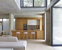 Einbauküche Barstühle Essplatz einrichten Sofa neutral