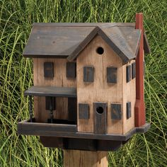 Amish Farm House Bird Feeder