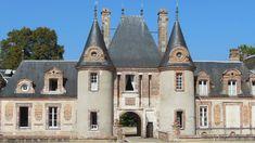 château de Granchamp. Yonne. Bourgogne French Castles, Château Fort, Germany Castles, Chateaus, French Chateau, Country Estate, Terrace Garden, Loire, Kirchen