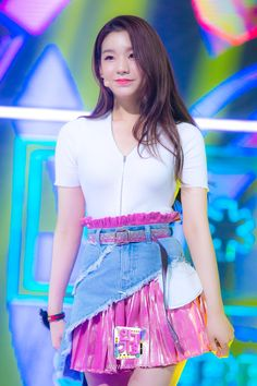 Kpop Girl Groups, Kpop Girls, Get Skinny Legs, Blackpink Jisoo, Kim Jennie, Beautiful Asian Girls, Korean Girl, High Waisted Skirt, Numbers