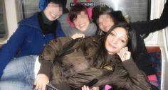 Nonostante la famiglia e in particolare il fratello non voglia smettere di credere che Simona Riso sia stata vittima di un omicidio, http://tuttacronaca.wordpress.com/2013/11/10/simona-riso-fu-violentata-a-9-anni-non-fu-creduta-suicidio/