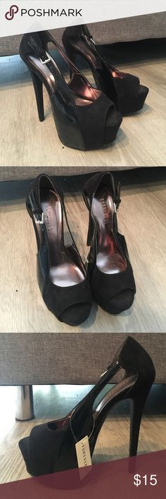 New Black Patent and Suede Pumps New with tags Forever 21 black patent and suede pumps. Size 7 Forever 21 Shoes Heels