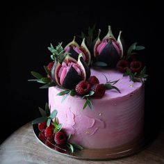 38 classic fruit birthday cakes, let's take a look! - Page 38 of 38 - slleee Wedding Flowers Pink Purple Cake Ideas Ideas For 2019 Fruit fig and raspberry cake La imagen puede contener: planta y flor love this color. what a stunning wedding cake this wou Gorgeous Cakes, Pretty Cakes, Amazing Cakes, Amazing Birthday Cakes, Bolo Confetti, Cake Cookies, Cupcake Cakes, Baking Cupcakes, Cake Fondant