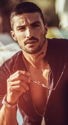 Hairstyles fashion How To Match Your Beard With Your Hairstyle Beard And Hairstyle Combinations For Men Hair And Beard Styles, Short Hair Styles, Men Photoshoot, Photography Poses For Men, Haircuts For Men, Short Hairstyles For Men, Bearded Men, Gorgeous Men, Hot Guys