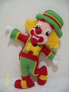 Boneco Minion em Feltro e outros personagens