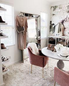 Girls Dressing Room, Dressing Room Design, Inspiration Dressing, Home Decor Inspiration, Sala Glam, Glam Room, Design Blog, Closet Designs, Home Office Design