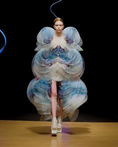 Arte Fashion, Fashion Week, Couture Fashion, Runway Fashion, Fashion Show, Fashion Design, Fashion Details, Couture Details, Daily Fashion