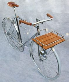 Custom built porteur bicycle : design by detail crative industries in east yorkshire