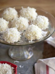 Get the Coconut Snowball Cookies recipe from Foodie Crush Best Christmas Cookies, Holiday Cookies, Christmas Desserts, Köstliche Desserts, Delicious Desserts, Dessert Recipes, Dessert Healthy, Holiday Baking, Christmas Baking