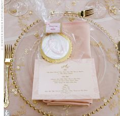 Table setting in pink, golds and creams