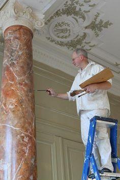 Peintre-decorateur Alain Stallaert, ancien professeur Van Der Kelen-Logelain. Imitation marbre, peinture faux-marbre et faux bois.