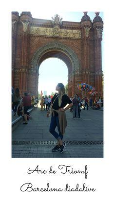Barcelona- kattints a linkre és olvasd el a cikket amit Bercelonáról írtam Sangria, Barcelona, Louvre, Building, Travel, Instagram, Sagrada Familia, Viajes, Buildings