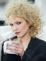 How To Wake Up & Go With Gorgeous Curls #refinery29
