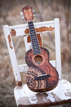 George Harrison was a huge advocate for the ukulele. He loved playing them, and even giving them away. On one trip to Hawaii I was told a story that George would go around the island and buy all the Kamaka?s he could find (now I don? Ukulele Art, Cool Ukulele, Ukulele Songs, Ukulele Chords, Guitar Art, Music Is Life, My Music, Folk Music, Arte Sharpie