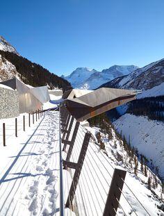 Glaciar-Skywalk porción Sturgess-Arquitectura-se Extiende-sobre-Canada's-Jasper-Nacional-Park_dezeen_468_3