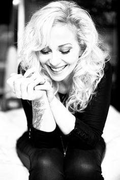 Anneke Van Giersbergen (Goddess amongst us) Cristina Scabbia, The Gathering, Heavy Metal Girl, Alternative Rock Bands, Idol, Symphonic Metal, Women In Music, Portrait Shots, Female Singers