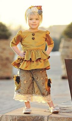 persnickety clothing -- almost a steampunk look, love it!