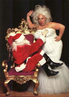 John Waters' muse Divine, Edith Massey (Edie Egg Lady) and Desperate Living's Jean Hill — have surfaced to bring you the filthiest Christmas EVER. These pics were shot for novelty Christmas cards i… Gay Christmas, Vintage Christmas, Christmas Cards, Christmas Greetings, Xmas, John Waters, Pin Up Photos, Star Wars, Christmas Pictures