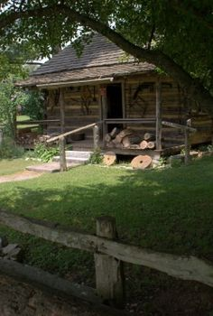 Cabin believed to have belonged to the father of Mark Twain.  It was originally located in Possum Trot, Tennessee and moved in 1995 to the Museum of Appalachia, Norris, Tennessee.