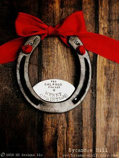 I need a horseshoe! - The Fleur De Lis Merry Christmas Horseshoe (TM) - Personalized Equestrian Welcome Decor for Your Home Western Christmas, Christmas Horses, Noel Christmas, Country Christmas, All Things Christmas, Christmas Ornaments, Homemade Christmas, Christmas Cookies, Christmas Ideas