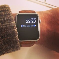 Create and customize your Apple Watch with beautiful faces. Custom Faces iPhone app lets you set up personalized faces on your Apple Watch. Apple Watch Custom Faces, Apple Watch Faces, Best Apple Watch, Apple Watch Series 3, Apple Watch Fashion, Apple Band, Apple Watch Wallpaper, Iphone 6 S Plus, Website Link