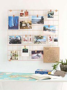 Se você anda procurando decorações para escritório, com certeza já viu o mesh board! Ele nada mais é que um mural de inspirações diferentão, em formato de rede de metal em que você pode prender imagens e objetos. É uma ótima opção para deixar o ambiente mais fofo e pessoal, além de ser útil para quem precisa de ideias e incentivos para trabalhar. Vale imprimir imagens, fotos de viagens, escrever recadinhos...