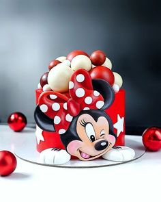Minnie Mouse Cake Design, Minnie Mouse Cookies, Minnie Mouse Birthday Cakes, Mickey Mouse Cake, Baby Birthday Cakes, Mickey Birthday, Bolo Mickey E Minnie, Mickey Cakes, Fondant Cake Designs