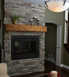 Fireplace: Echo Ridge®, SOUTHERN LEDGESTONE - Cultured Stone® Brand_Manufactured Stone Veneer