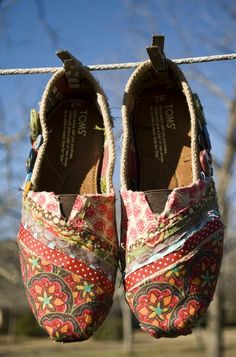 Definitely doing this as soon as my burlap Toms fray. So gorgeous! Also, this blog has lots of awesome ideas.
