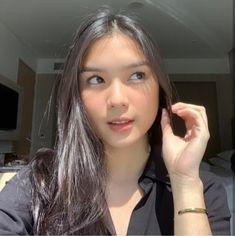 Filipina Girls, Filipina Actress, Alibata, Instagram Frame Template, Kawaii Makeup, Very Funny Memes, Poses For Pictures, Bad Girl Aesthetic, Ulzzang