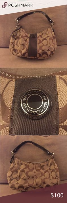 AUTHENTIC Coach Shoulder Bag beautiful! gently worn on strap (as shown) I do not do trades. Will accept reasonable offers. All bundles receive a discount. All orders come with a mini gift. Happy shopping! ✨ Coach Bags Shoulder Bags