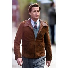 Short suede leather jacket for men Inspiration movie Allied Worn by actor Brad Pitt as Max Vatan Shirt style collars Zipped closure at the front Two side pockets along the waist Open hem cuffs with leather belts Classic Leather Jacket, Brown Suede Jacket, Men's Leather Jacket, Suede Leather, Leather Jackets, Brad Pitt Hair, Marion Cotillard, Men's Wardrobe, Jennifer Aniston
