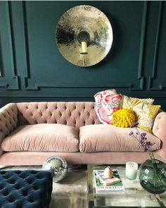 Home Decoration Living Room Product Living Room Green, Living Room Sofa, Living Room Decor, Living Rooms, Pink Velvet Sofa, Pink Sofa, Classic Sofa, Classic Interior, Bedroom Classic