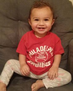 37 years later my 1980's Phillies championship tee-shirt now fits Ava. She looks damn cute in it too lol : ) Now I wish I could get a picture of her and the Philly Phanatic since she sleeps with my original Philly Phanatic stuffed animal from when I was a kid. That'll be our next goal #avamarie #avamarieblanck #phillies #baseball #mascot #fanatic #phillyfanatic #gerber #gerberbaby #cutebaby #twinning #futurestar #cheerleader #smile #twofrontteeth #daddysgirl #daddydaughter#iflookscouldkill…