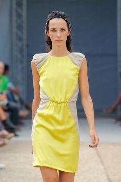 #Invitadas de amarillo. Bebas Closet