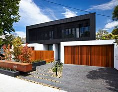 Inkerman Road Town Houses by John Davey Architects, great idea for duplex or multi family home Townhouse Designs, Duplex House Design, Duplex House Plans, Residential Architecture, Modern Architecture, Outside House Colors, Modern House Facades, Cool Apartments, Facade House