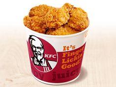 KFC buat iklan palsu pelanggan saman RM83 juta Seorang wanita memfailkan saman AS$20 juta (RM83 juta) terhadap Kentucky Fried Chicken (KFC) kerana pengiklanan palsu (false advertising). Menurut laporan CBS Local Anna Wurtzburger 64 mendakwa KFC menipu pelanggan yang sedang lapar dengan iklan KFC bucket yang menunjukkan bekas dengan ayam yang melimpah keluar. KFC buat iklan palsu pelanggan saman RM83 juta KFC buat iklan palsu pelanggan saman RM83 juta Anna mendakwa untuk dia hanya mener...