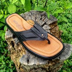 Nicolucas's Sandals are designed to bring comfort and rest while walk or standing. Handmade with top quality materials and dedicated quality control team that ensures the best product since the past 45 years. Mens Leather Flip Flops, Leather Men, Men Sandals, Leather Sandals, Men's Shoes, Dress Shoes, Comfort Design, Beach Casual, Flip Flop Shoes