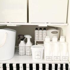 洗濯洗剤を「白のボトル」チェンジ!ラベルの消し方と活用コーデ | iemo[イエモ]